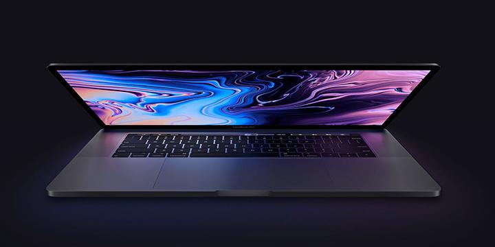 Macbook Pro 13 inch 2018 lần đầu tiên được trang bị vi xử lý Intel lõi tứ (Core i5 hoặc i7 thế hệ thứ 8 chạy ở tốc độ lên đến 2.7 GHz và Turbo Boost tối đa 4.5 GHz). RAM hỗ trợ tối đa upto 16GB. Macbook Pro 13 inch 2018  không có card đồ họa rời mà nó tích hợp card đồ họa Intel Iris Plus 655 với 128 MB eDRAM. Đồng thời, bộ nhớ trong chuẩn SSD sẽ dao động từ 256GB đến 2TB.
